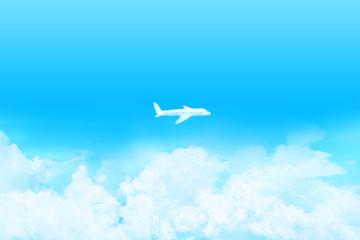 快晴の上空に浮かぶ雲、飛行機の形をした雲