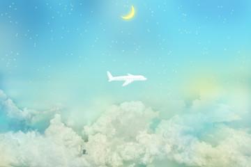 満天の星空に浮かぶ雲と新月、飛行機の形をした雲