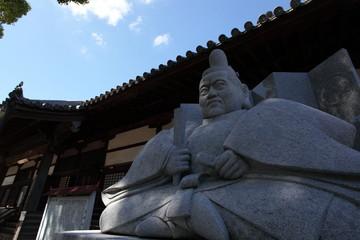 徳川家康像と大樹寺