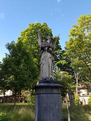 Engelsstatue auf altem Friedhof in Freiburg