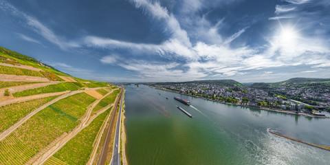 Der Rhein bei Bingen und Rüdesheim Luftbild