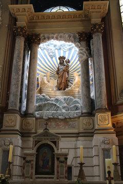 intérieur d'une église de Boulogne sur Mer