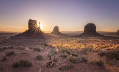 FIRST LIGHTS OVER MONUMENT VALLEY