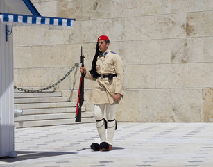 Spoed Fotobehang Athene Athens, Greece, the Protection of the Greek Parliament in Athens Syntagma square. In modern Greece, the evzons are members of the Presidential guard