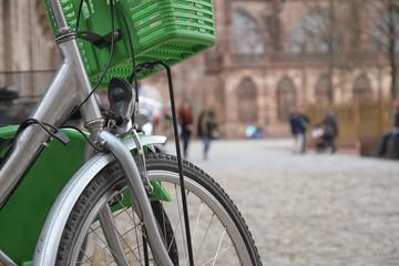 Leihfarrad mit Fahrradkorb, Fahrradmiete