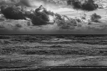 am toller Strand in Dänemark