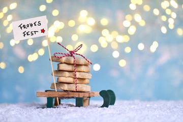 Weihnachtskekse naschen