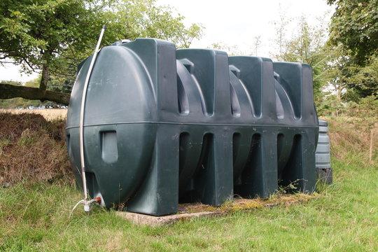 Domestic heating oil tank