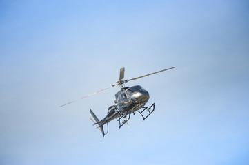 Elicottero in volo per riprese televisive