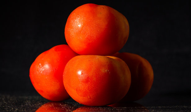 Pile of tomatoes freshly picked and washed