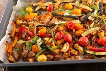 Fototapete - roasted vegetable and herbs
