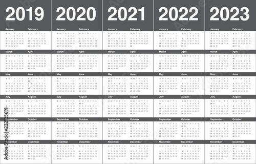 Смотреть Комедии 2019-2020 года - КалендарьГода видео
