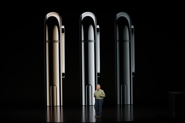 Schiller Senior Vice President, Worldwide Marketing of Apple, speaks about the new Apple iPhone XS at an Apple Inc product launch in Cupertino