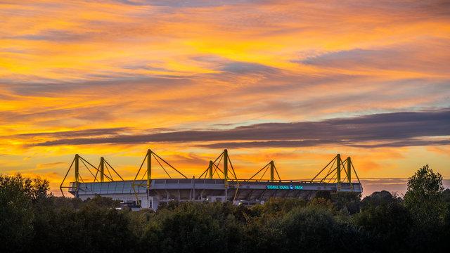 Dortmund am Abend Wahrzeichen