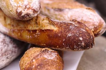 Baguettes de pain sur un marche