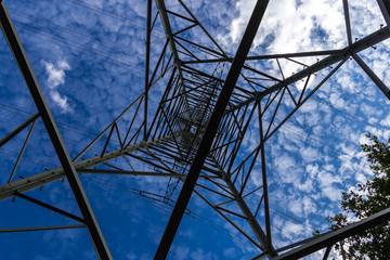 Stahlfachwerk Konstruktion eines Hochspannungsmastens