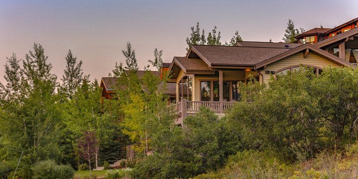 Luxury cabin homes in Park City Utah pano