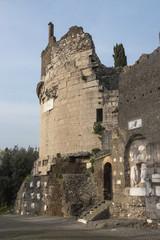 Mausoleo di Cecilia Metella - appia antica - Roma