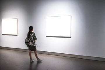 gril in the gallery