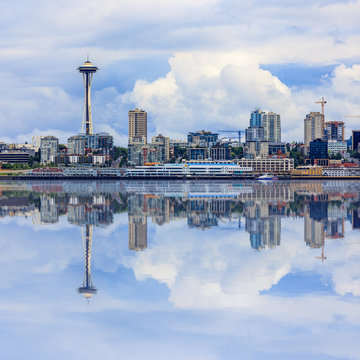 Seattle Skyline, cloudy day
