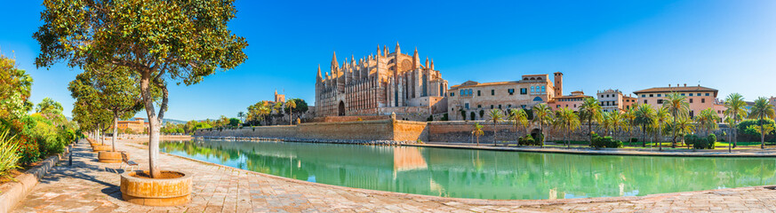 Beautiful view of Cathedral La Seu at the historic city center of Palma de Mallorca