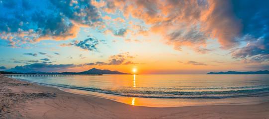 Strand Meer Sonnenaufgang Morgendämmerung Urlaub Reise Sonne Morgens