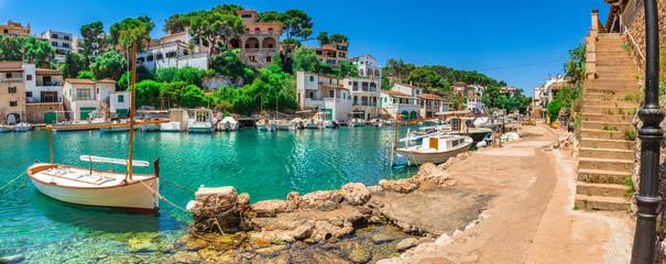 Spanien Reise Meer Tourismus Sommer Urlaub Mallorca Fischer Dorf Hafen Boote Wall mural