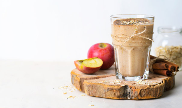 Apple Cinnamon Smoothie with Oats and Chia Seeds, Healthy Vegan Drink