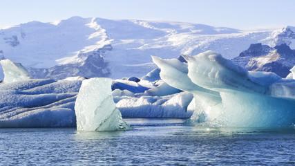 Icebergs at Jökulsárlón Glacier Lagoon, Vatnajökull National Park, Höfn, Iceland South Coast