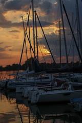 Sonnenuntergang im Hafen am Dutenhofener See