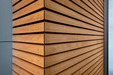 Holzverkleidung modernes Gebäude