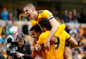 Premier League - Wolverhampton Wanderers v Burnley