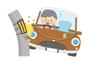 自動車事故 女性