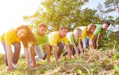 Team gemeinsam am Start bei Sport Wettkampf auf Sportfest