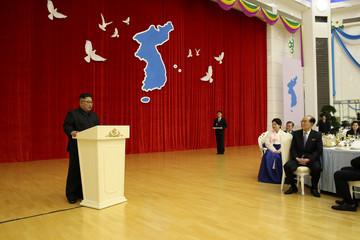 North Korean leader Kim Jong Un speaks during a banquet in Pyongyang