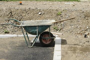工事現場の一輪車