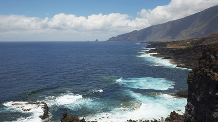 Coastal views towards the northern part of the island, on the walking route to Charco Azul, El Hierro, Canary Islands, Spain
