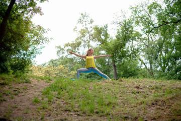 Yoga-Trikonasana right/Right triangle pose