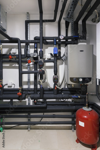 Home heating installations with boilers\