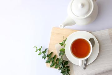 White tea glass top corner