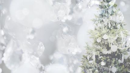 クリスマスツリーとクリスタル,光,イルミネーション
