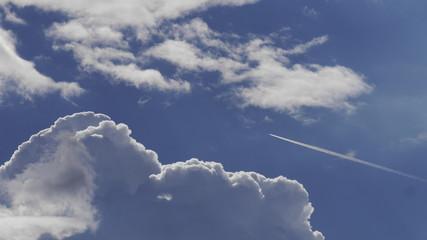Wolken Flugzeug Himmel