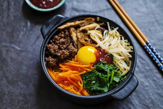 Traditional Korean bibimbap