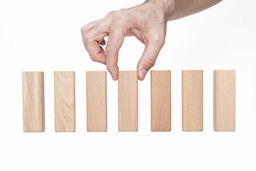 yukarı dizilmiş tahta bloklar