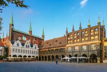 Marktplatz in Lübeck in der Abenddämmerung