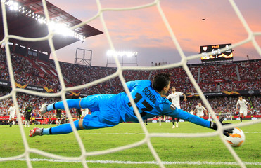 Europa League - Group Stage - Group J - Sevilla v Standard Liege