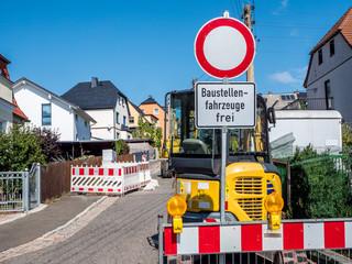 Durchfahrt Verboten Baustellenfahrzeuge frei