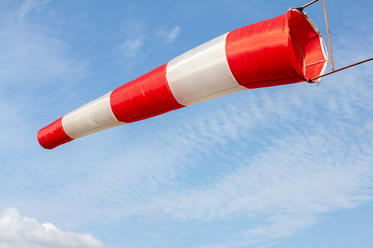 Wind sock, Air field direction and wind speed sign