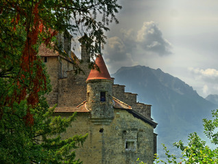 Vue sur une tour du Château de Chillon, Suisse