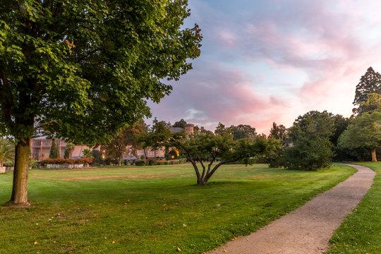 Sonnenaufgang im Botanischen Garten in Karlsruhe